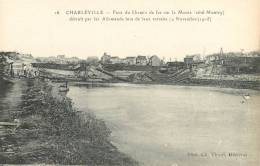 08  CHARLEVILLE PONT DU CHEMIN DE FER COTE MONTCY DETRUIT PAR LES ALLEMANDS - Charleville