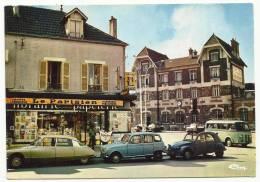 """CHELLES - La Gare Et La """"Maison De La Presse"""" (Citroën DS Et 2CV + Renault R4 + Estafette) - Chelles"""