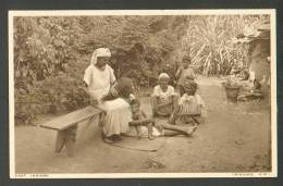 EAST INDIANS ,  HAIR COMBING NATIVES  ,  BRITISH VIRGIN ISLANDS , OLD POSTCARD - Vierges (Iles), Britann.
