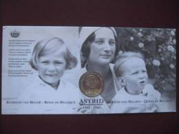 La Reine ASTRID De BELGIQUE - Médaille Commémorative 1905/1935/2000 - Obj. 'Souvenir De'