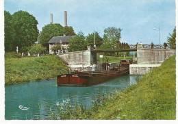 VAIRES-sur-MARNE : Le Canal Et L'Ecluse - 1967 (péniche - Navigation Intérieure) - Vaires Sur Marne