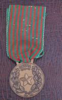 MEDAGLIA IN BRONZO  GUERRA1940-43 - Italie