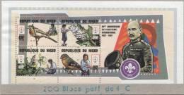 """Niger 1997 Y&T 1100/3. Scoutisme, Fleur Et Oiseaux. Feuillet Dentelé Perforé """"annulé"""" Collé Sur Carton... - Scouting"""