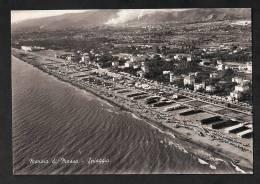 Carrara - Marina Di Massa - Plage - Beach - Vista Aerea - Escrita Y Sellada En 1957 - Carrara