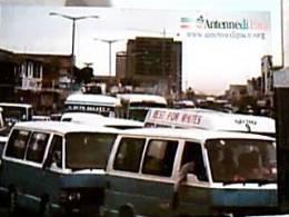 ZAMBIA  AUTO CAR VANA  FOTO A TIRAFERRI CASCO  BIANO  MISSIONE PACE N1980  DY6166 - Zambia
