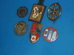 6 Insignes Militaire A Identifier - Insignes & Rubans