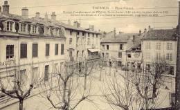 TOURNUS Place Carnot - Autres Communes