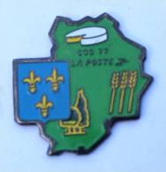 Pin's LA POSTE - COS 77  - Blason - Fromage - Carte Du Département - B955 - Mail Services