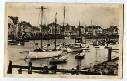 Cpsm Du 44  Le Pouliguen  Vue Sur Le Port  THI2 - Le Pouliguen