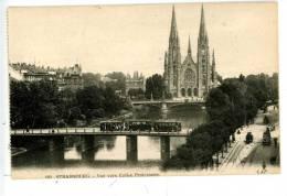 STRASBOURG - VUE VERS L'EGLISE PROTESTANTE - TRAMWAY SUR LE PONT - Strasbourg