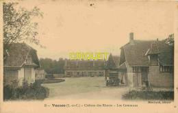 Cpa 41 Vouzon, Chateau Des Rhuets, Les Communs, Jardinier Avec Brouette, Vieux Tacot.... - France