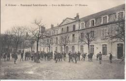 CPA, Orléans, Pensionnat Saint Euverie, Cour De Récréation, 1er Division - Orleans
