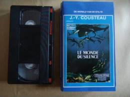 J.Y.  COUSTEAU -  LE MONDE DU SILENCE VHS CASSETTE - Documentaire