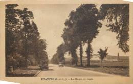 91-7 - CPA - ETAMPES La Route De Paris  Tacot Voitures - Etampes