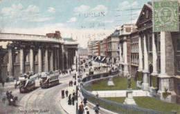 IRL - Dublin - Trinity College (animation, Tramway) - Dublin