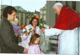 MILANO  VERA  FOTO-- BENEDETTO XVI--2012 - Popes