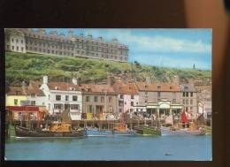 CPM Neuve Royaume Uni WHITBY The Harbour And West Cliff  Le Port - Whitby