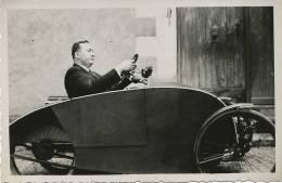 Carte Photo Curieuse Auto Tricycle  1935 Mr  M.  Representant Compagnie Des Compteurs EDF - Cartes Postales