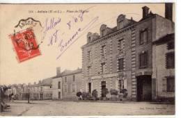 Jallais..belle Vue De La Place De L'Eglise - Sin Clasificación