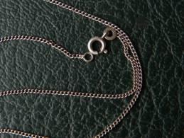 (134) Chaine En Argent - 2,69 Grs - 51,5 Cm - Collares/Cadenas