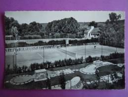 Mantes-la-jolie ; Les Tennis Et Le Golf Miniature - Mantes La Jolie