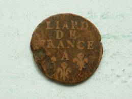 IDENTIFY : LIARD DE FRANCE A 1698 (?) ( 3.5 Gr.) KM ??? ( Uncleaned Coin / For Grade, Please See Photo ) !! - 987-1789 Monnaies Royales