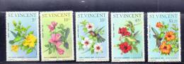 LOT N° 473 - SAINT VINCENT N° 444/448 ** - HIBISCUS Et OISEAU MOUCHE - Cote 15 € - Végétaux