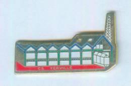 Pin's Centre De Secours De YERVILLE (76) - Le Bâtiment - B990 - Brandweerman