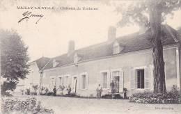 20920 Mailly La Ville . Le Chateau De Violaine - éd Brisedou -avec Le Personnel ! Signée Berty, Propriétaire - France