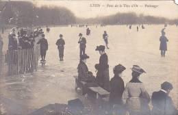 20930 Patinage A Lyon (France ) Parc De La Tete D' Or 1905 ! état Abimée !!)