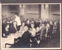 Photo 23x17 Hotel Cosmopolite, Bruxelles Belgique , Souper De L'UPABRA  Ou UPDB ? 16 Novembre 1957, Papetier ? - Photos