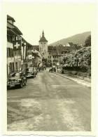 Ancienne Photo Amateur Liestal BL Obertor Rathausstrasse Kanton Basel Schweitz Suisse 4CV Renault Plymouth Altes Foto - Orte