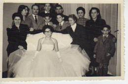 NOVIA CON ANTEOJOS JUNTO A SU FAMILIA  CIRCA 1960  ARGENTINA   OHL - Anonymous Persons