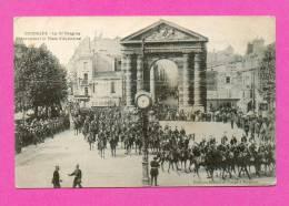 CPA  FRANCE  33  -  BORDEAUX  -  Le 15e Dragon Traversant La Place D'Aquitaine ( En 1916 )  Animée - Bordeaux