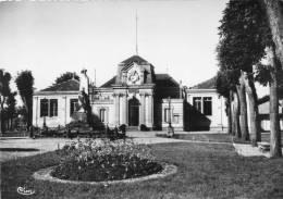 [33] Gironde - AMBARES - La Mairie - (Cpsm Grand Format- Editions :  Combier - CIM  N°4732 ) *PRIX FIXE - Bordeaux