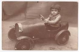 Carte Photo - Jeune Garçon(Norbert) Au Volant De Sa Torpédo à Pédale - A Circulé Sans Date, Tampon Photographe - Cartes Postales