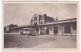CPSM - CHALONS-SUR-MARNE (Marne) - La Gare - Châlons-sur-Marne