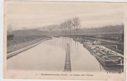 CPA 59  Batellerie - Péniche -    ESCAUDOEUVRES   Le Canal Vers L'Ecluse - Francia