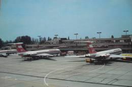 INTERFLUG  IL 62  BERLIN SCHONEFELD      AIRLINE ISSUE / CARTE COMPAGNIE - 1946-....: Moderne