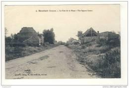 Carte De Bouchoir La Rue De La Place ( Ruines De La Guerre Je Pense ) - France