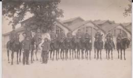 Carte Photo Provenant D'un Album Intitulé.5 Escadron Train Fontainebleau. Cavaliers - Guerre 1914-18