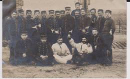 Carte Photo Provenant D'un Album Intitulé.5 Escadron Train Fontainebleau.détente. - Guerre 1914-18