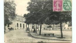 12* VILLEFRANCHE DE ROUERGUE Place Nationale Et Banque De France - Villefranche De Rouergue