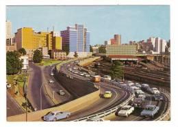 SOUTH AFRICA / JOHANNESBURG / QUEEN ELISABETH BRIDGE , LEADING INTO THE CITY  ( Automobiles Années 70 ) - Afrique Du Sud