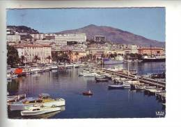 20.- AJACCIO .- Vue Sur Le Port Et La Ville - Ajaccio