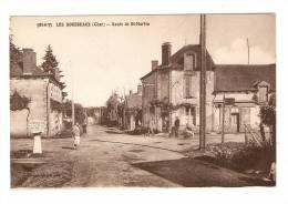 CPA : 18 : Cher : Saint Martin D'Auxigny : Les Rousseaux : Route De St Martin : Animation , Borne > Bourges - Frankreich