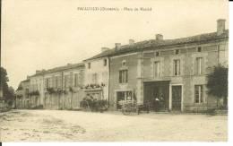 CPA  PALLUAUD, Place Du Marché  6819 - Altri Comuni