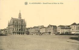 Oudenaarde, Audenarde : Grand'Place Et Hôtel De Ville. 2 Scans - Oudenaarde