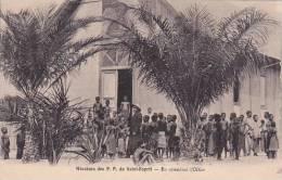 Senegal Missions Des P P Du Saint-Esprit En Attendant L'Office - Senegal