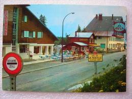 """CP 01  - LE COL DE LA FAUCILLE  -  GEX -  Douane Zoll   - """" L'hôtel La Couronne """"   - Station Essence AVIA - Gex"""
